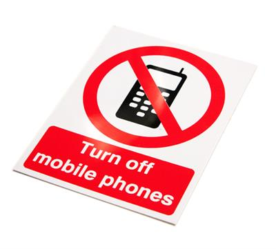 RIGID PLASTIC SIGN PRG.05W TURN OFF MOBILE PHONES 150x200